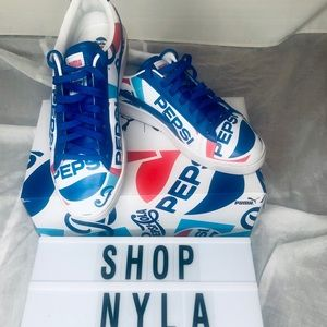 🚨🦋Puma Pepsi gently used sneakers